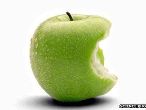Giảm đột quỵ và tim mạch nhờ ăn táo - 1