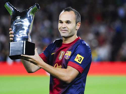 Iniesta ở lại Barca đến năm 2018 - 1