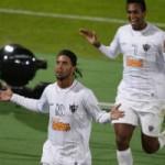 Bóng đá - Ronaldinho lập siêu phẩm giải VĐTG các CLB