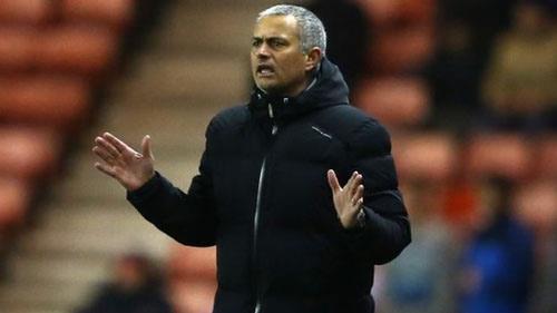 Mourinho không thể chơi đẹp như Abramovich muốn? - 1
