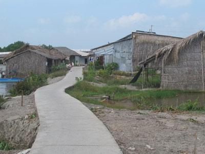 Lấy đất dân nghèo chia cho cán bộ - 1