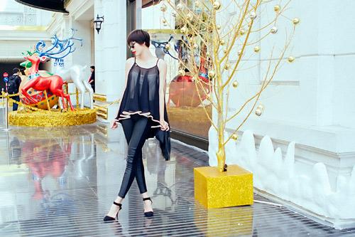Mẫu Việt trẻ trung trên phố Giáng sinh - 10