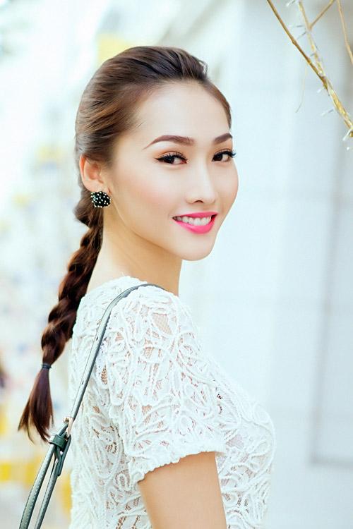Mẫu Việt trẻ trung trên phố Giáng sinh - 5