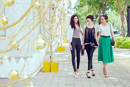 Mẫu Việt trẻ trung trên phố Giáng sinh - 3