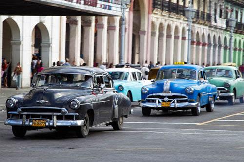 Cuba cho phép người dân tự do mua bán ô-tô - 1