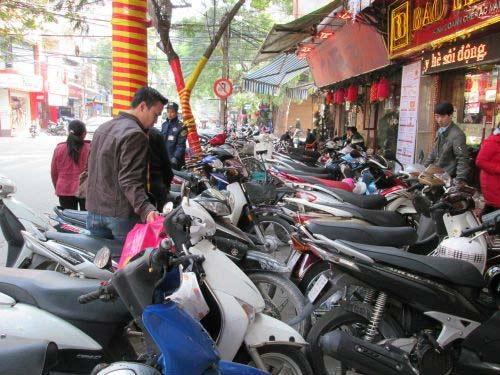 """Hà Nội: Cận cảnh giao dịch ở """"phố vàng"""" - 5"""