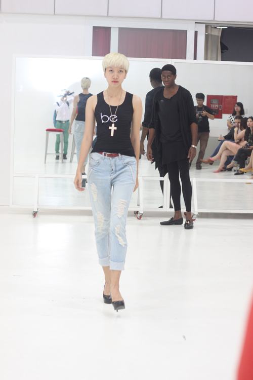 Miss J khen ngợi thí sinh Vietnam's Top Model - 11