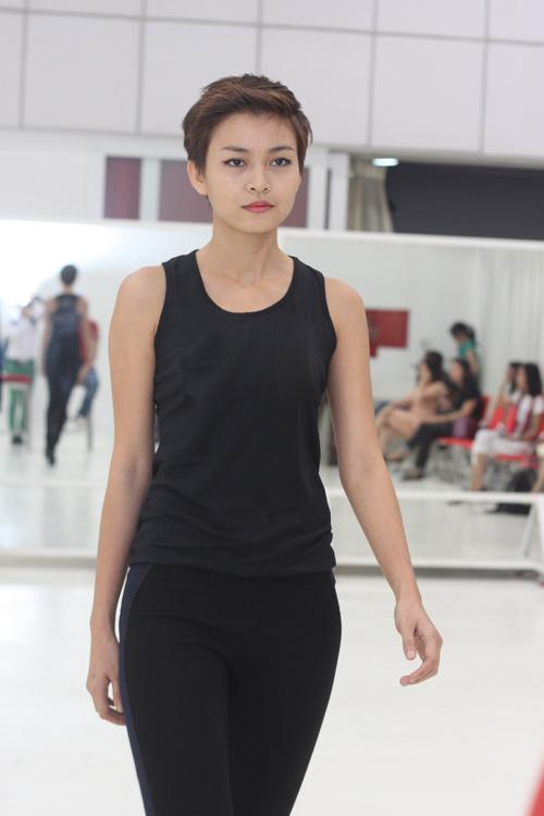 Miss J khen ngợi thí sinh Vietnam's Top Model - 4