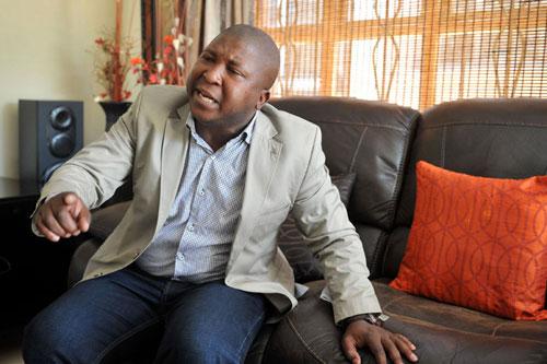 Phiên dịch ở lễ tang Mandela nhập trại tâm thần - 2