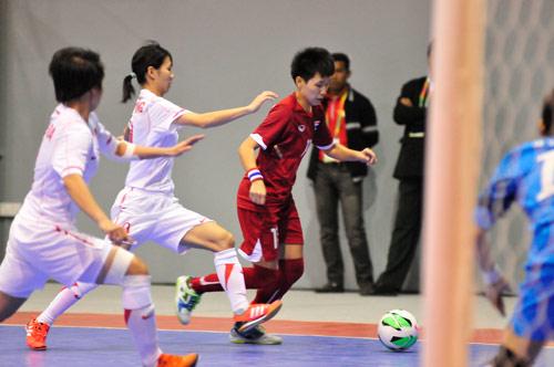 Futsal nữ VN không thể lật đổ người Thái - 2