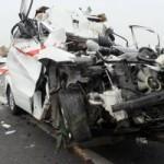 Tin tức trong ngày - Hiện trường xe cấp cứu gặp nạn, 3 người chết