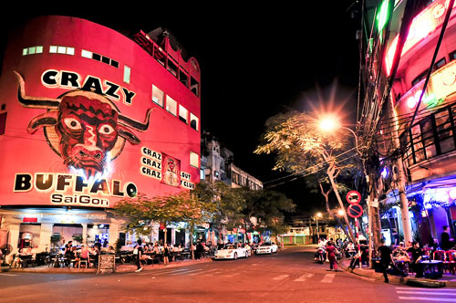 Khám phá Thành phố Hồ Chí Minh về đêm - 4