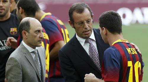 """Messi """"khẩu chiến"""" với Phó chủ tịch Barca - 1"""