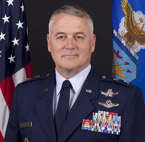 """Tướng Mỹ mất chức vì say xỉn và """"quậy"""" ở Nga - 1"""
