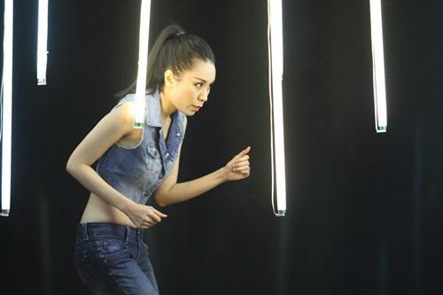 """Sao Việt """"lộ """"bản chất"""" thật trên sân khấu - 6"""