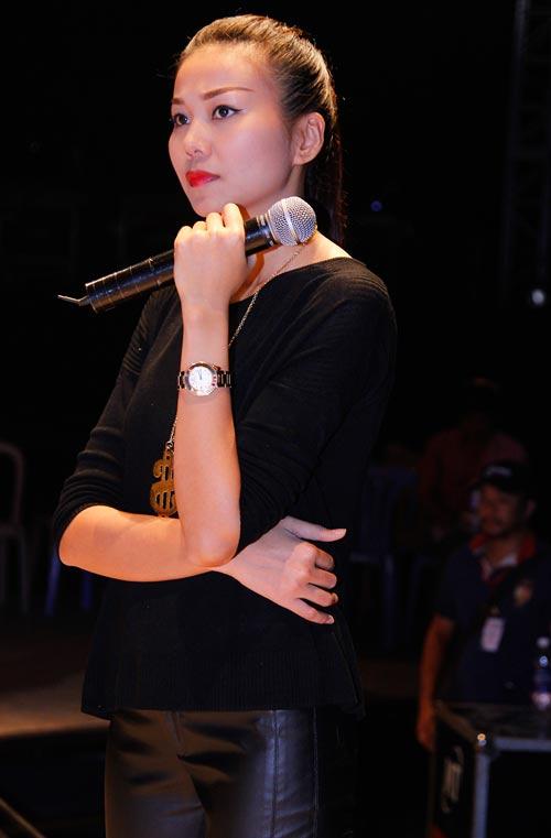 Hồ Ngọc Hà gợi cảm tại buổi tổng duyệt VNTM - 4