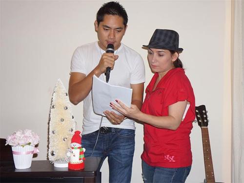 Uyên Trang, Phi Nhung đón Noel với buôn làng - 10