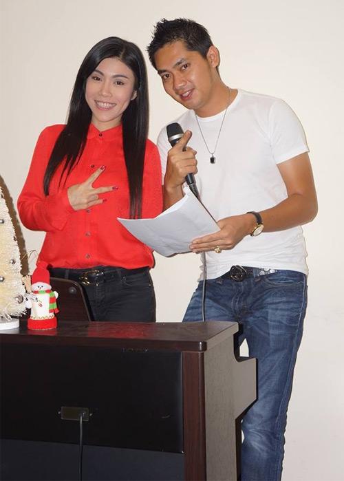 Uyên Trang, Phi Nhung đón Noel với buôn làng - 3