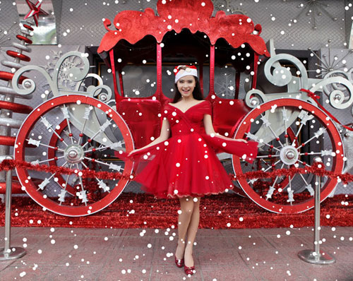 Hải Băng đỏ rực gợi cảm đón Noel - 10