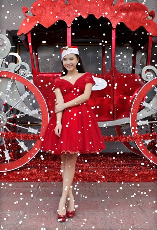 Hải Băng đỏ rực gợi cảm đón Noel - 11