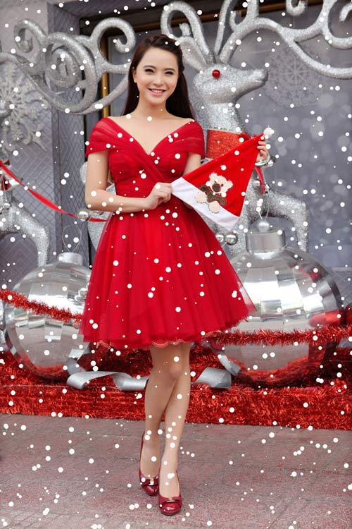Hải Băng đỏ rực gợi cảm đón Noel - 14