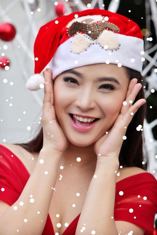 Hải Băng đỏ rực gợi cảm đón Noel - 4