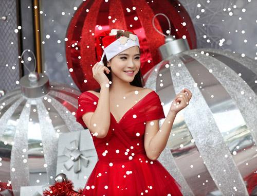 Hải Băng đỏ rực gợi cảm đón Noel - 8