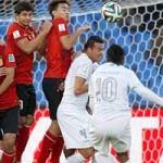 Bóng đá - Ronaldinho lập siêu phẩm đá phạt & thẻ đỏ