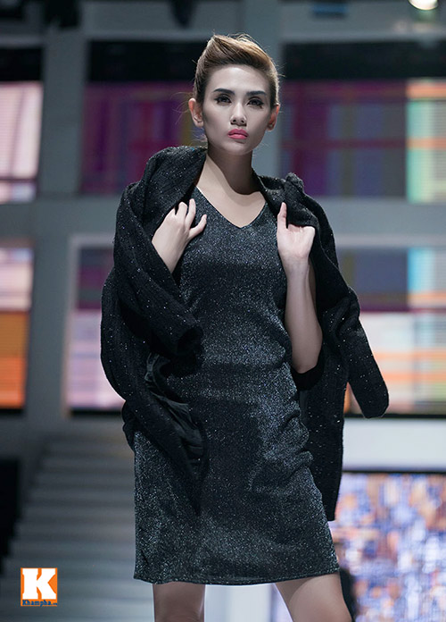 Hoàng Yến, Ngọc Hân đọ dáng trên sàn catwalk - 11