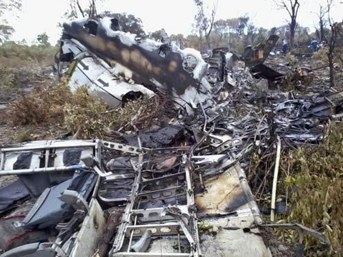 Mozambique: Phi công cố ý đâm máy bay xuống đất - 1