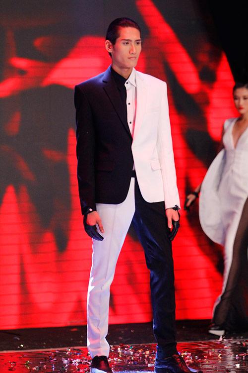 Dàn Top Model hội ngộ trong đêm chung kết - 12