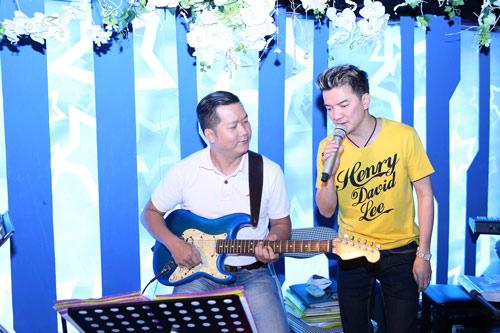 Mr Đàm chân trần tập luyện show Noel - 14