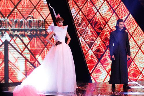 Dàn Top Model hội ngộ trong đêm chung kết - 16