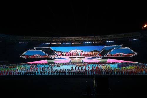 Bế mạc SEA Games 27: Bức tranh lung linh đa màu sắc - 3
