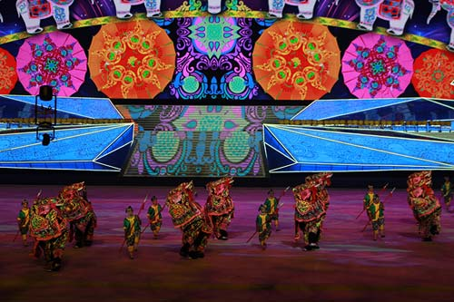 Bế mạc SEA Games 27: Bức tranh lung linh đa màu sắc - 6