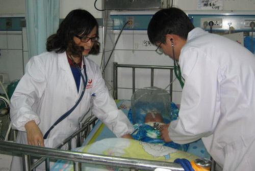 """TQ: Cấm vắc-xin """"tử thần"""" khiến 4 trẻ thiệt mạng - 2"""