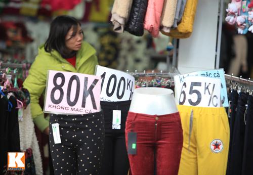 Đột nhập các khu chợ siêu rẻ ở Hà Nội - 5