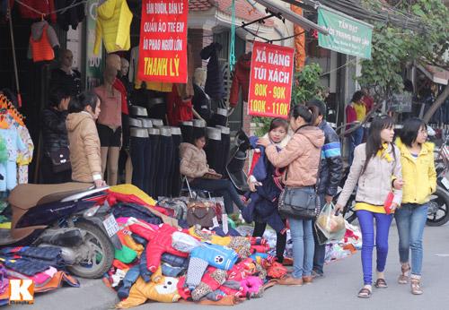 Đột nhập các khu chợ siêu rẻ ở Hà Nội - 7