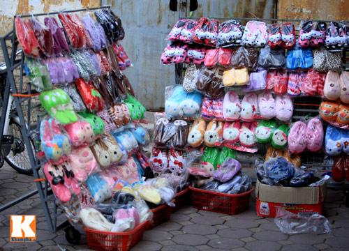Đột nhập các khu chợ siêu rẻ ở Hà Nội - 2