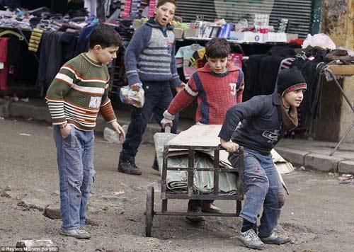 """Syria: """"Phóng viên chụp ảnh tử thần"""" thiệt mạng - 12"""