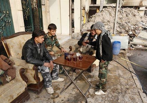 """Syria: """"Phóng viên chụp ảnh tử thần"""" thiệt mạng - 9"""