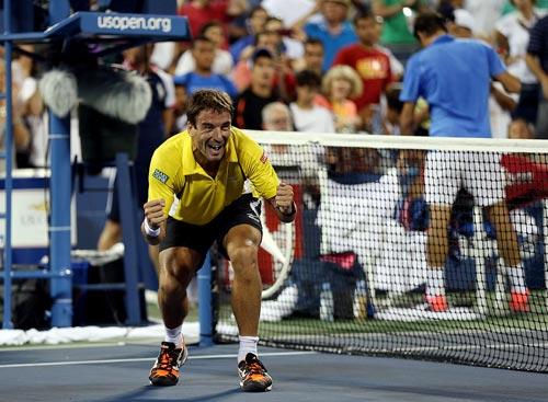 Nadal bị đàn anh Robredo đánh bại - 2