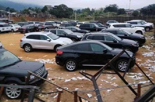 Những vụ lùm xùm với siêu xe ở Việt Nam năm 2013 - 4