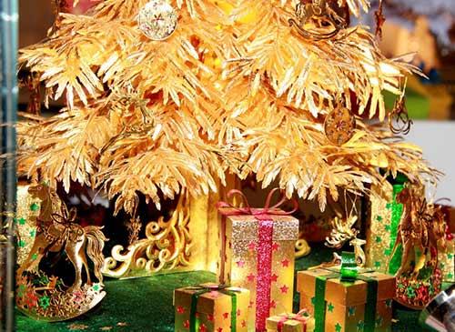 Cây thông Noel vàng giá nửa tỷ đồng tại VN - 7