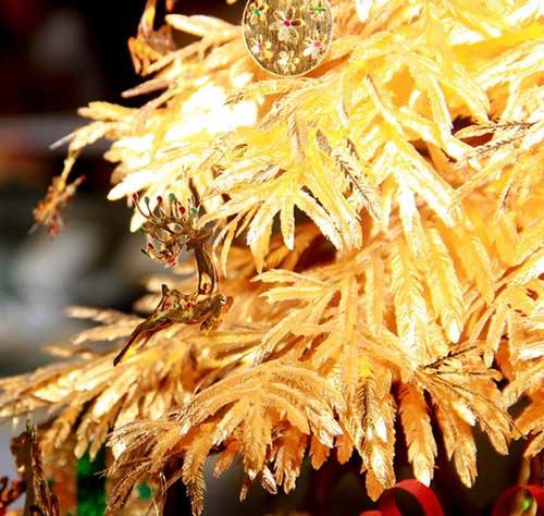 Cây thông Noel vàng giá nửa tỷ đồng tại VN - 8