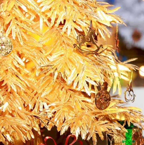 Cây thông Noel vàng giá nửa tỷ đồng tại VN - 9