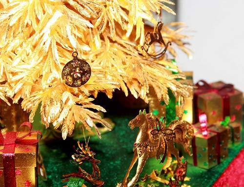 Cây thông Noel vàng giá nửa tỷ đồng tại VN - 5
