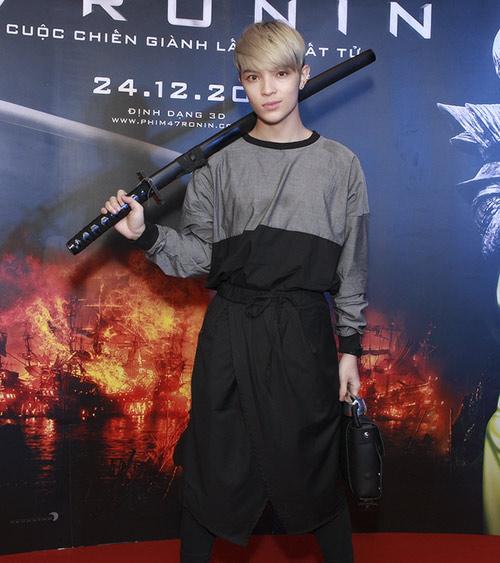 Phương Mai, Nathan Lee thích thú làm samurai - 15