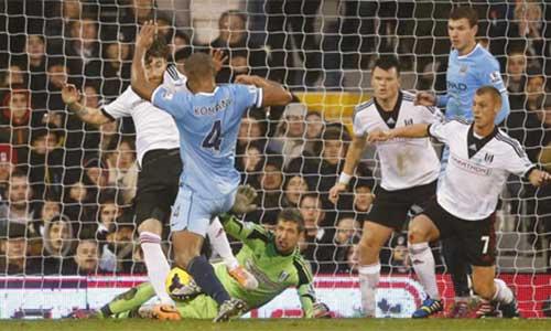 Man City: Cơn đau đầu hàng thủ - 2