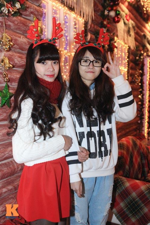 Thiếu nữ Hà thành xinh tươi trên phố Noel - 4